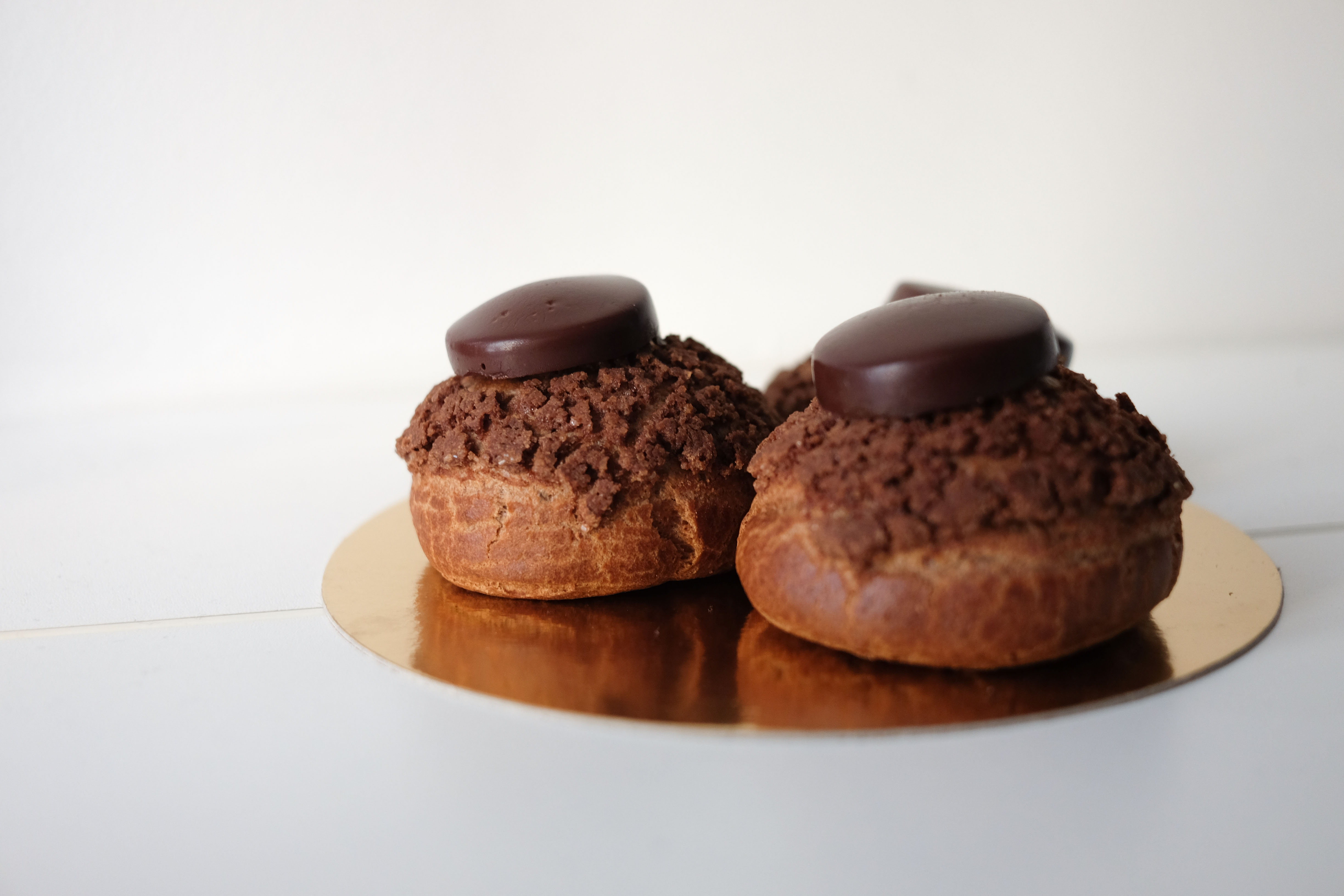 lessons 5 6 choux craquant au chocolat noir and op ra recipe cake is the new black. Black Bedroom Furniture Sets. Home Design Ideas